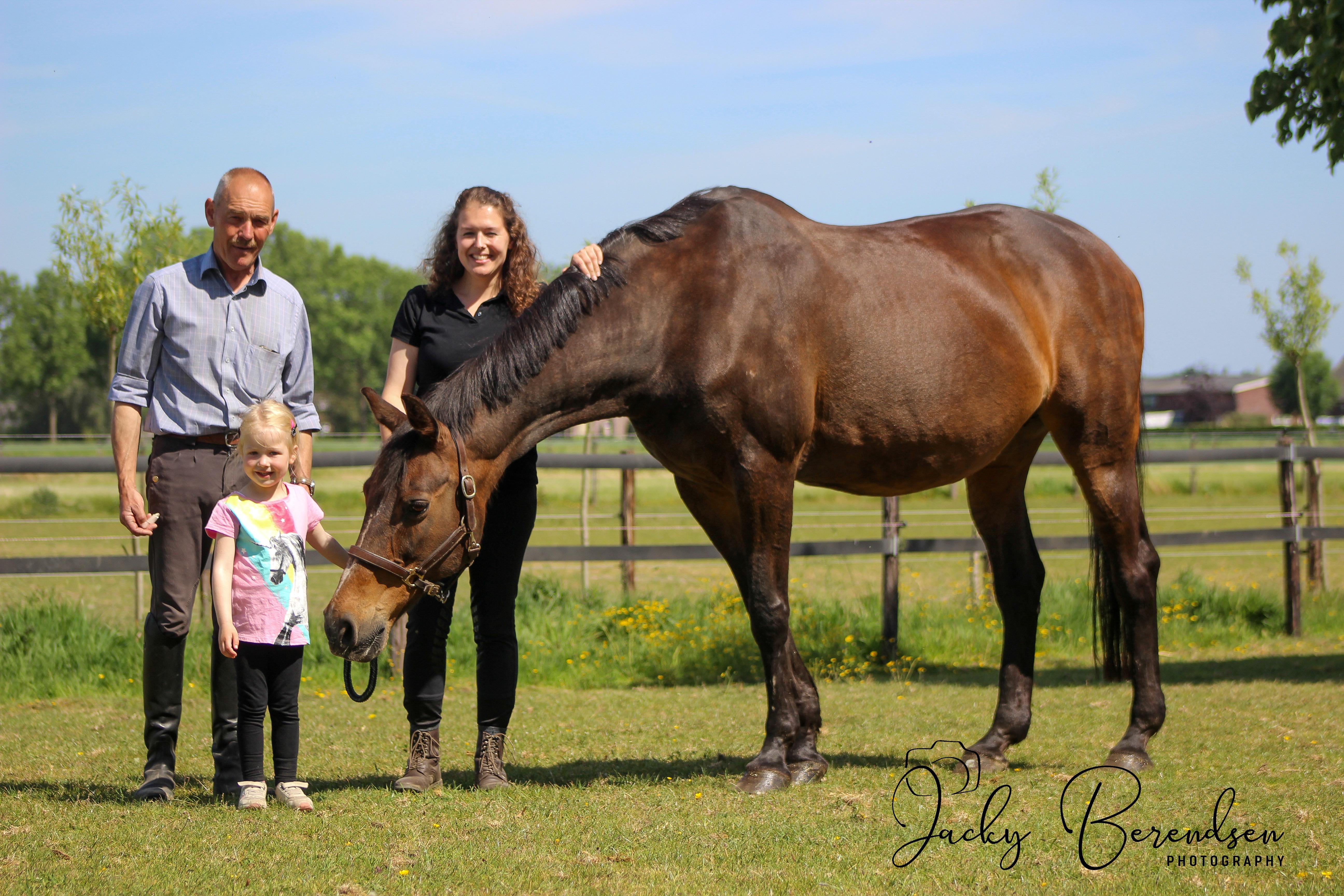 Drie generaties (Jan, Linde en Lisa) met onze nestor Miss Marple